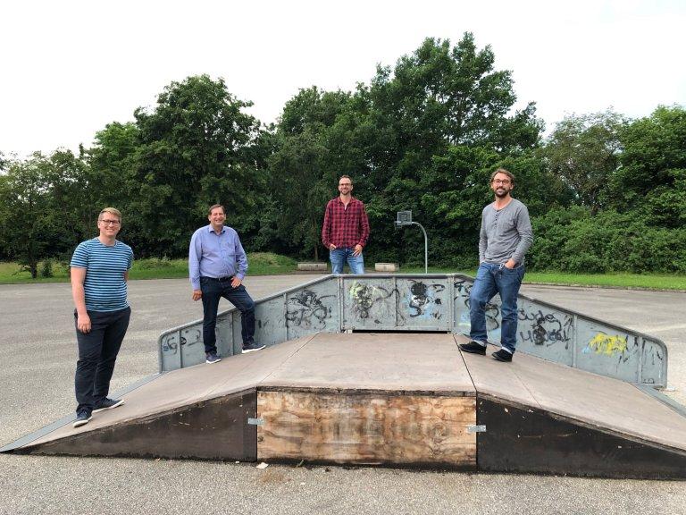 Gemeindejugendarbeit Bild mit Bürgermeister und Jugendbeauftragten