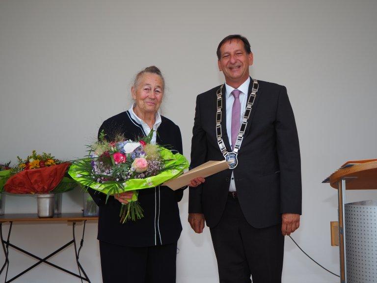 Verleihung Bürgermedaille an Helga Stuckenberger