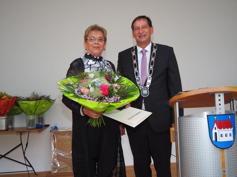 Verleihung Bürgermedaille an Helga Mayer